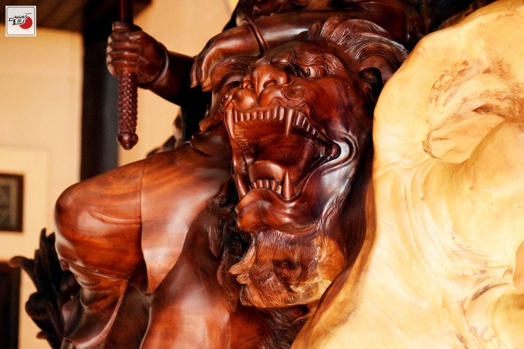 tượng gỗ văn thù sư lợi