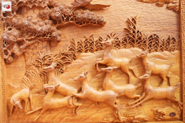 tranh gỗ tùng nai