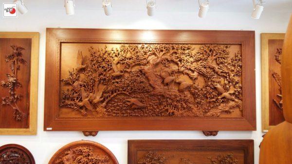 Tranh gỗ hoa mai chim hạc