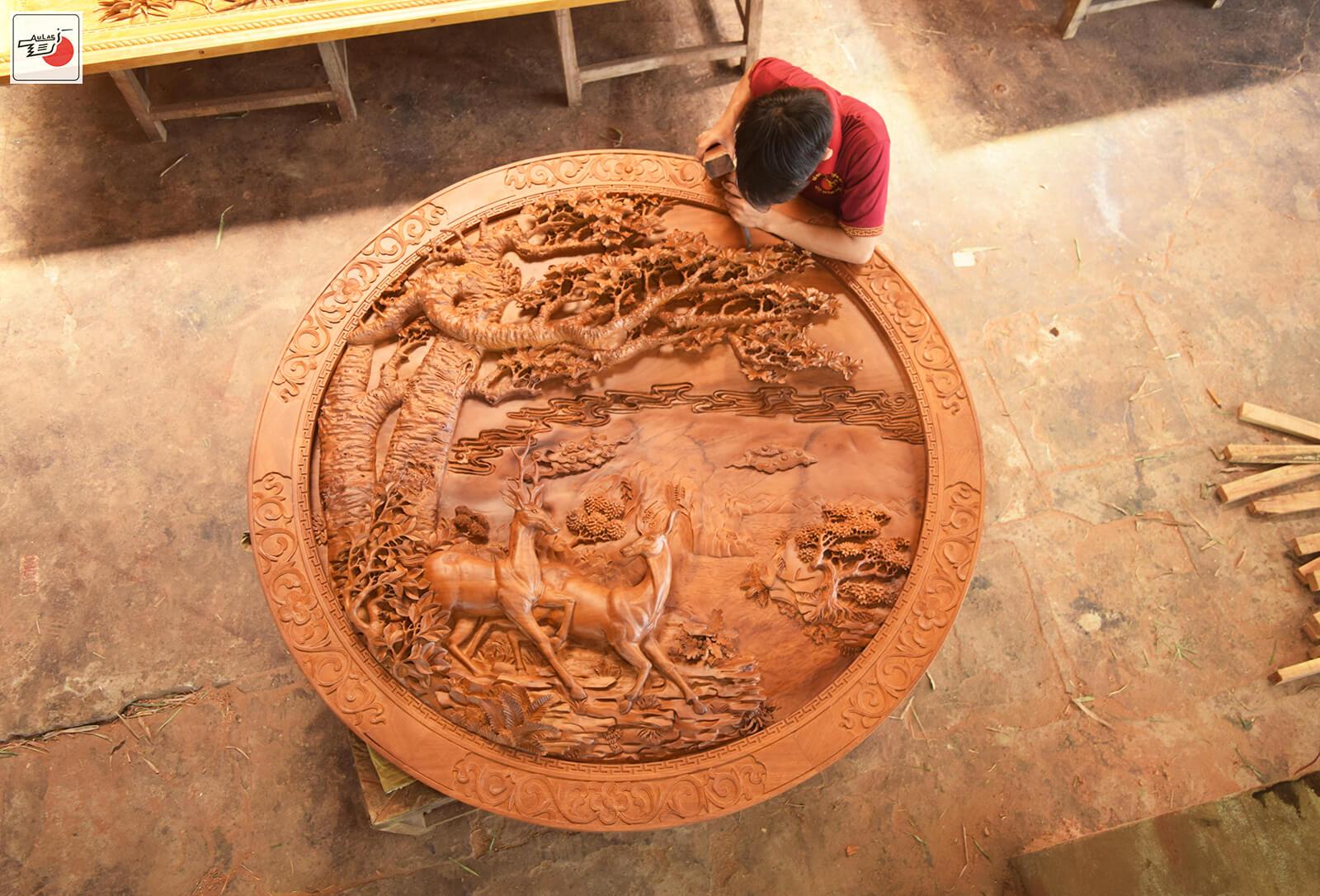 tranh gỗ đục tay tinh xảo