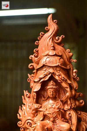 Tượng gỗ phật Quan âm tự tại