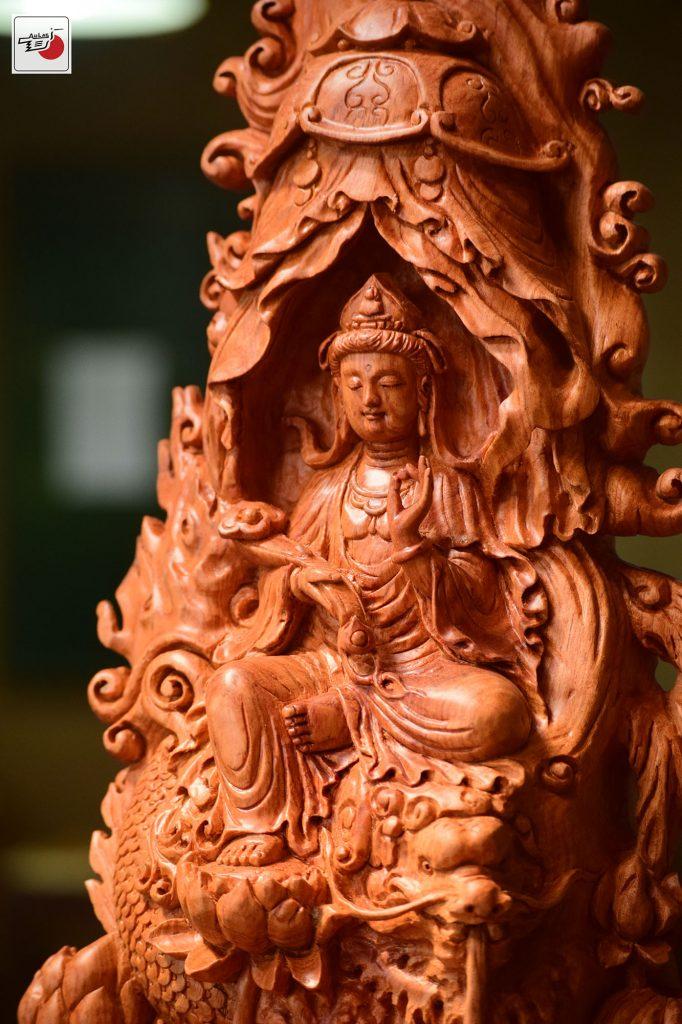 tượng gỗ quan âm tự tại